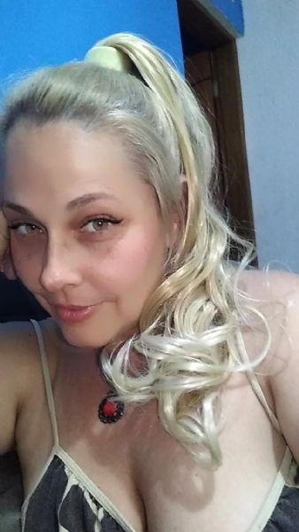 Júlia Amani - Terapeuta Tântrica e Massoterapeuta a mais de 10 anos 213